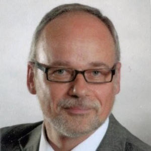 Dr Dieter Lubda